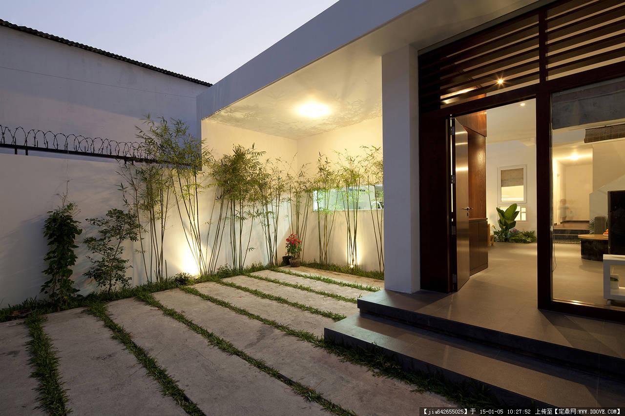 现代别墅室内机外部景观图